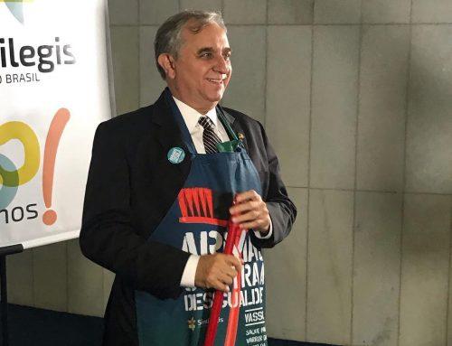 Izalci participa de campanha contra o machismo