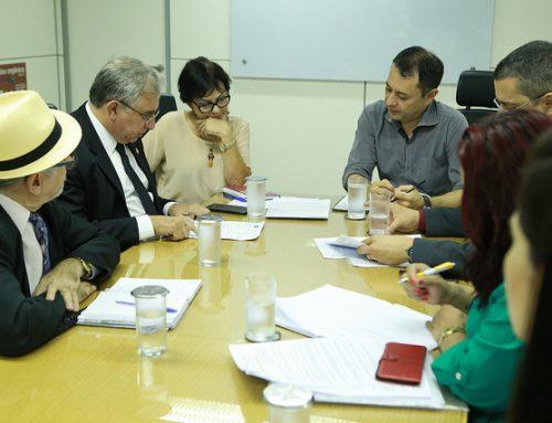 No Ministério da Economia, Izalci trata da MP que prevê a Junta Comercial vinculada ao GDF