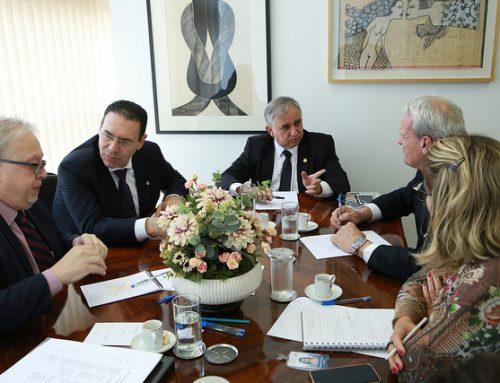 Parlamentares e instituições debatem estratégias para ampliar atuação dos CDRs no país