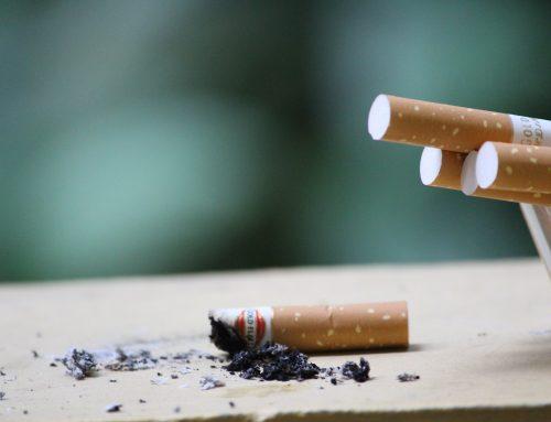 Izalci faz alerta durante discurso: Fumar mata!