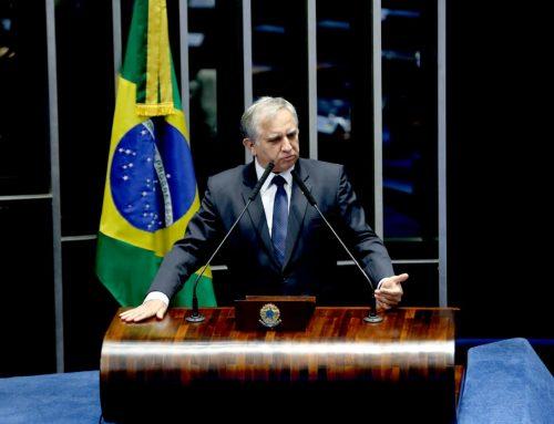 Em plenário, Izalci defende aprovação da MP que viabiliza Região Metropolitana do DF
