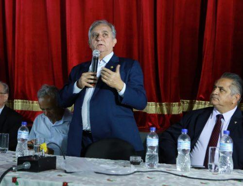 Em reunião com micros e pequenos empresários, Izalci fala da importância de investir no desenvolvimento econômico
