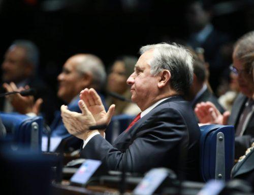 Izalci dá boas-vindas ao recém-empossado senador Siqueira Campos