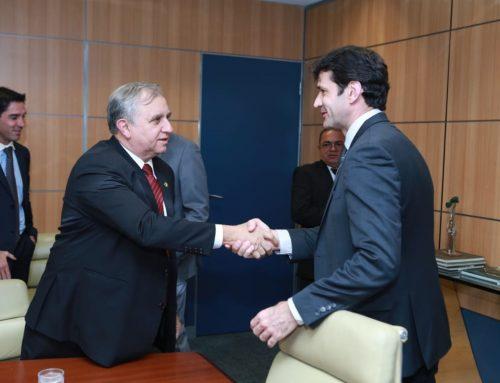 Izalci se reúne com ministro do Turismo para tratar sobre as demandas do setor