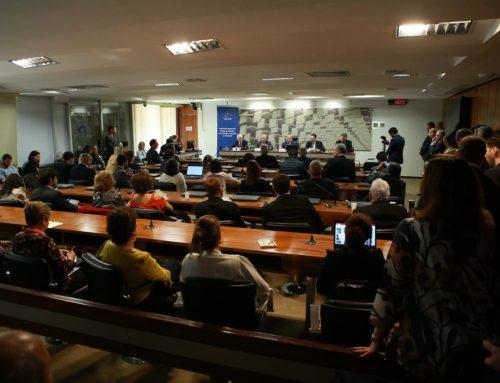 Parlamentares, especialistas e técnicos do governo discutiram o papel da ciência, tecnologia e inovação para o desenvolvimento do Brasil