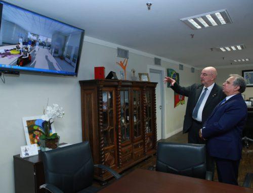 Instalação da Estação Cidadania no Sol Nascente foi tema de reunião entre Izalci e ministro Osmar Terra