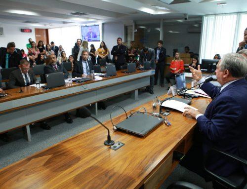 Izalci Lucas defende projeto que permitirá aumento do orçamento da educação em 2020
