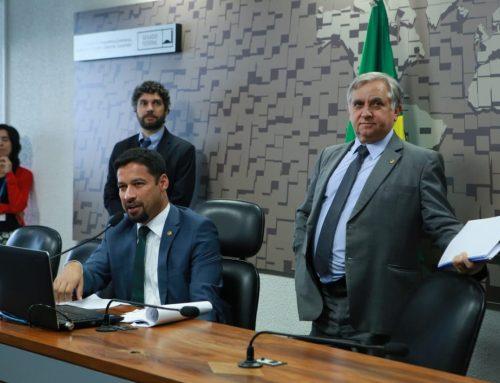 Senado aprova projeto de Izalci que protege consumidor de cobrança abusiva de dívidas