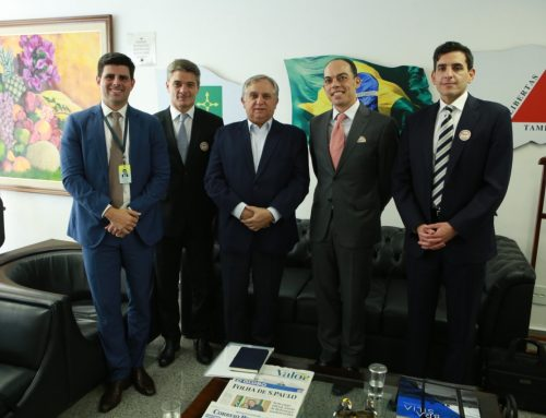 Izalci recebe executivos da Walt Disney Company para tratar sobre as expectativas da empresa para o Brasil